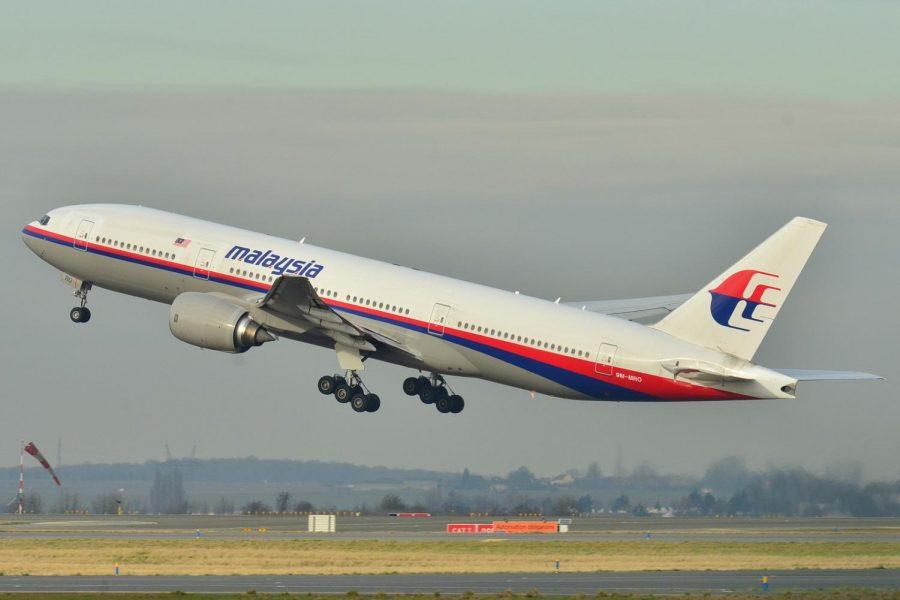 Boeing_777-200ER_Malaysia_AL_%28MAS%29_9M-MRO_-_MSN_28420_404_%289272090094%29